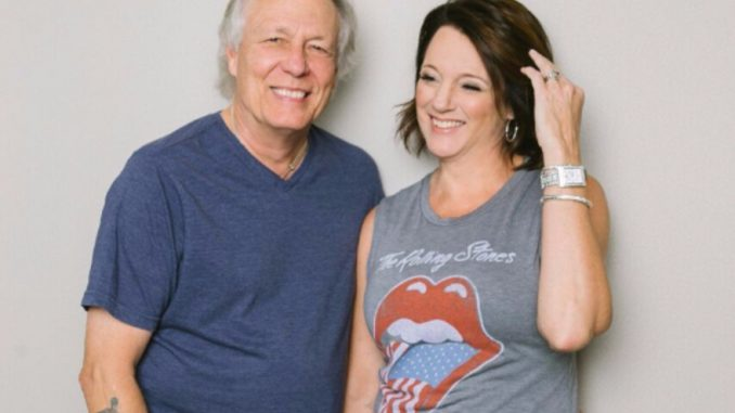 Author Rhonda Nelson and husband Wayne Nelson (LITTLE RIVER BAND) announce acoustic concert book tour